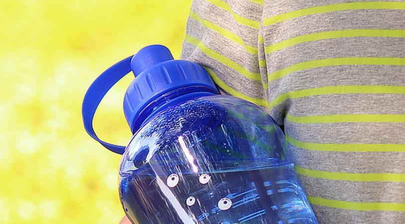Вода из пластиковых бутылок